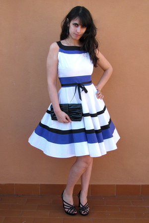 white sandro ferrone dress - black bow Mango purse - black Fornarina heels