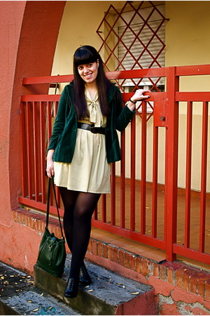 Reko dress - vintage blazer - vintage belt - vintage bag - Clarks shoes