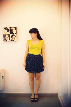Urban Outfitters skirt - vintage top - vintage belt - vialis shoes - 50s Vintage