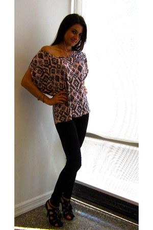 pink tribal Romeo & Juliet Couture top - black trouve leggings
