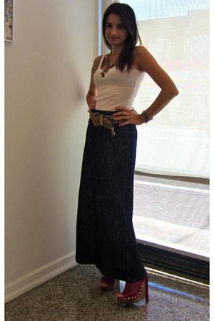 Max Studio skirt - zandra rhodes wedges - white tank Gap top