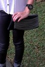Black-chains-purse-white-leatherette-ali-kris-top