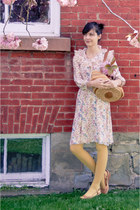 1970s floral Delabelle vintage dress - H&M tights - basket purse thrifted vintag
