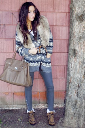 fur H&M accessories - herritage sweater - degaine leggings - H&M bag