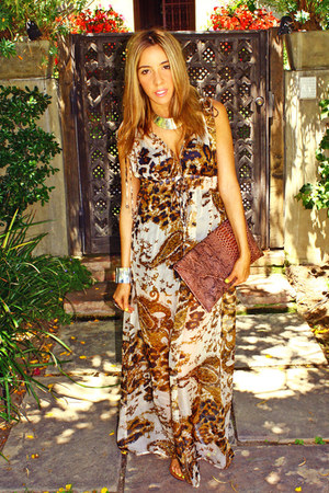 tawny dress dress - brown clutch HAUTE & REBELLIOUS bag - silver HAUTE & REBELLI