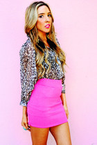 bubble gum HAUTE & REBELLIOUS skirt - tan HAUTE & REBELLIOUS blouse - black HAUT