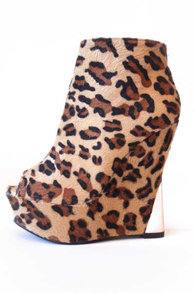 camel HAUTE & REBELLIOUS wedges