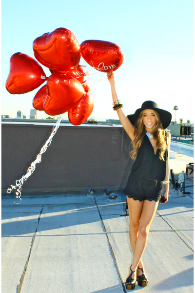 black Jessica Simpson shoes - black wool American Apparel hat - black lace short