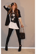 black leggings - black gloves - white t-shirt - black boots - black purse