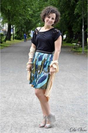 black H&M blouse - turquoise blue H&M Trend skirt - tan dune heels - neutral For