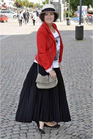 neutral Bik Bok hat - ruby red H&M blazer - beige Zara bag - white GINA TRICOT t