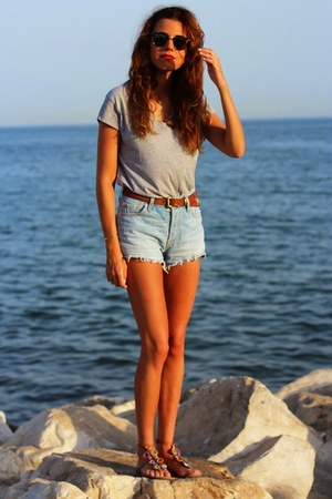 Zara shirt - Levis shorts - ray-ban sunglasses