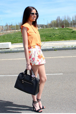 Zara shorts - Uterque bag - Zara blouse - Mango sandals