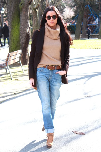burnt orange Zara heels - crimson Massimo Dutti coat - Levis jeans