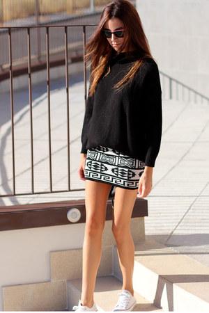 Boga Valentia skirt - Hartford sunglasses - Zara jumper - Converse sneakers