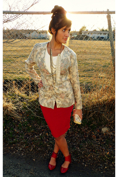 red leather Urban Outfitters shoes - cream floral print Dawn Joy Fashions blazer