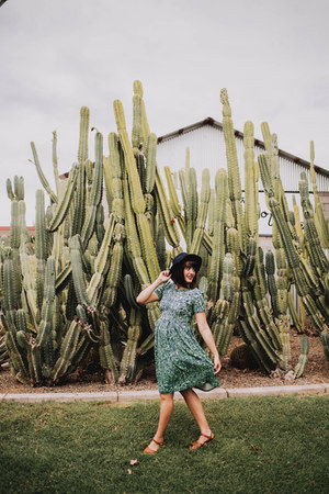 green pattern LuLaRoe dress - navy fedora Forever 21 hat - tan Hoy sandals