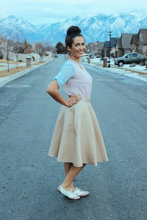 gold Lulus skirt - light pink sheer 6ks shirt