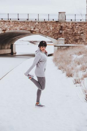 silver hoodie Albion Fit hoodie - heather gray athleticwear Gap leggings