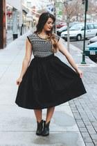 black midi Lucy and Lyla skirt - black tribal Loopsway shirt