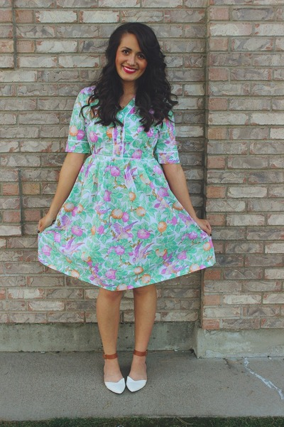 aquamarine floral print Sugarlips dress - white color block tildon flats