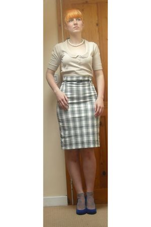 beige warehouse top - gray Mango skirt - purple new look socks - blue Matalan sh