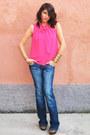 Stradivarius-jeans-h-m-shirt-zara-heels-accessorize-earrings