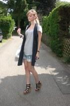 heather gray H&M shirt - black Zara vest - black Deichmann wedges