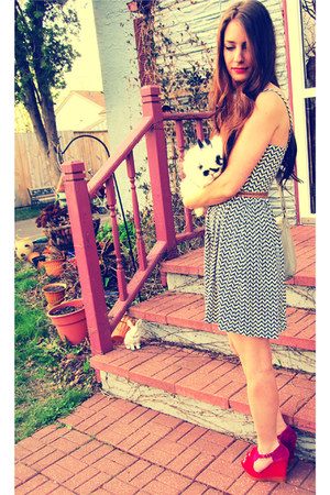 navy Target dress - camel Forever21 belt - magenta Qupid wedges