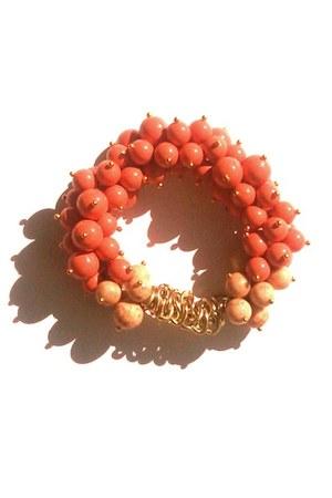 salmon Deen  Gray bracelet