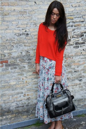 H&amp;M sweater - Barbara Bui bag - Zara skirt - Delancefashion ring