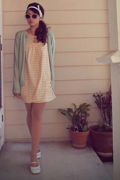 Light yellow cotton max rave dresses light blue mint green thrifted cardigans yellow scooter - Light blue and mint green ...