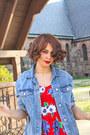 Red-floral-print-vintage-dress-blue-denim-zara-jacket