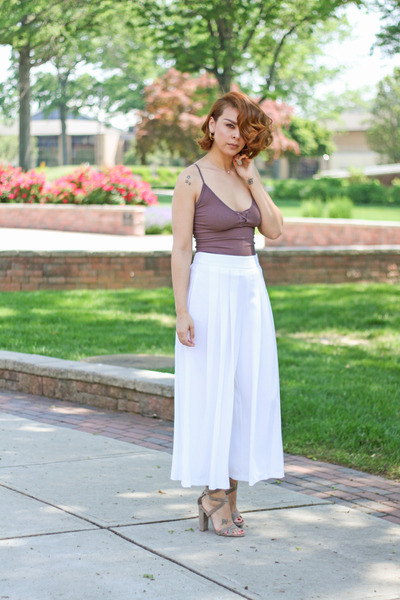 puce free people top - white Zara pants - heather gray Steve Madden sandals