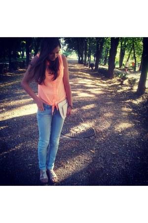 off white H&M purse - sky blue Pull & Bear jeans - orange New Yorker shirt