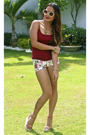 shorts - apostrophe sunglasses - Aldo wedges - Zara top