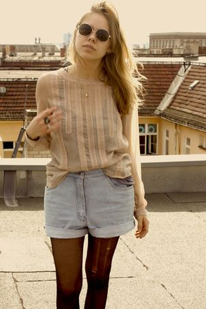 beige Forever New blouse - blue vintage shorts