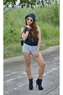 Black-forever-21-boots-white-stripes-mphosis-shorts