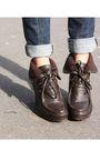 Tommy-hilfiger-shoes-vintage-belt-gap-jeans-moms-scarf