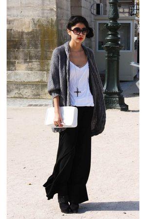 vintage accessories - NafNaf skirt - H&M sweater - longchamp purse - Bebe shoes