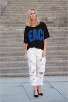 white trashed 501 DIY jeans - black pecae print acne t-shirt