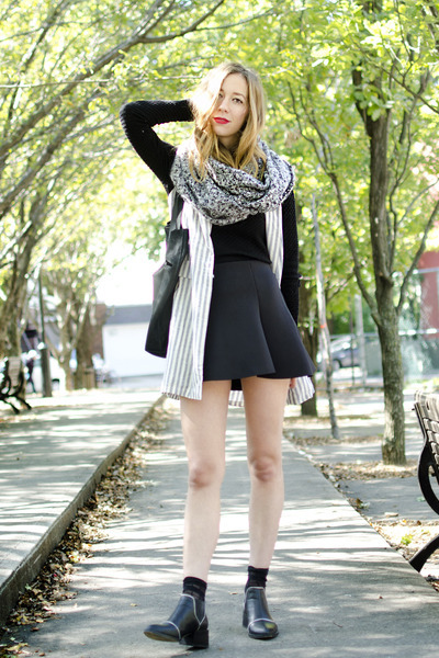 black Senso boots - black Forever 21 sweater - heather gray Bizou scarf