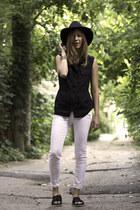 white Paige Denim jeans - black H&M hat - black sam edelman sandals