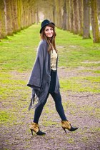 Forever21 boots - Allée du foulard coat - Sheinside top