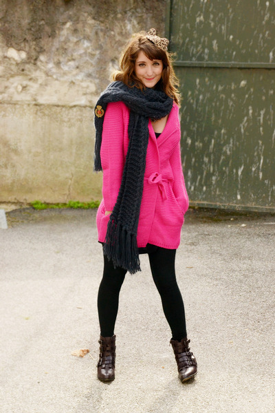 Forever 21 boots - Choies cardigan