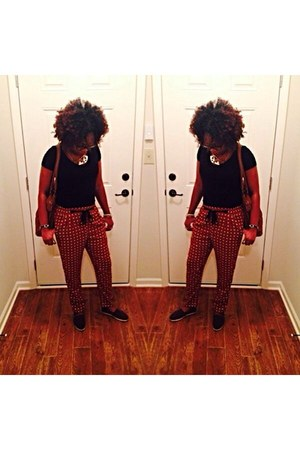 black Target t-shirt - brick red Forever 21 pants - brown brown toms TOMS flats
