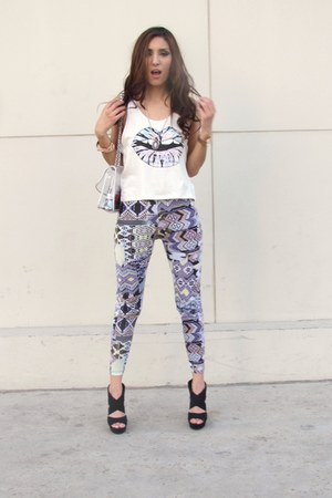 Forever 21 t-shirt - DESV store leggings - forever 21 old bag