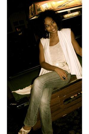 beige Devon Thomas top - pink H&M top - blue Seven jeans - beige asos belt - bei