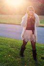 Gray-forever-21-shirt-blue-hollister-blouse-beige-forever-21-skirt-white-v
