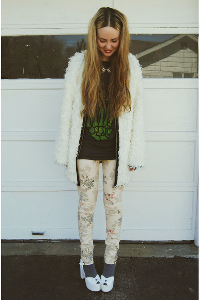 white Ladakh coat - white Wildfox shoes - eggshell gifted gypsy warrior jeans